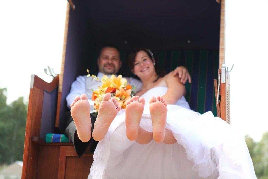 Hochzeit in Delitzsch - Füße und Strandkorb